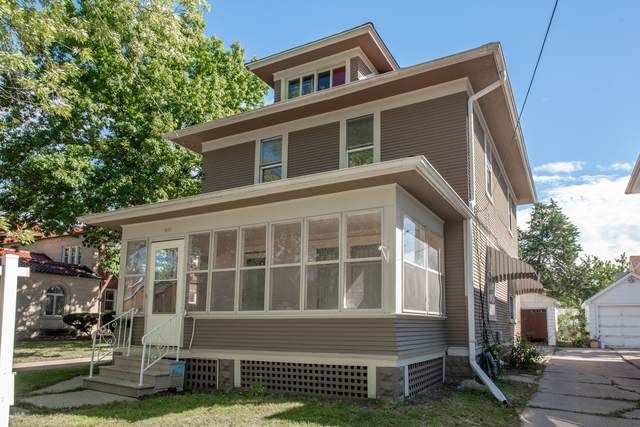 628 5th Street, Aurora, IL 60505 (MLS #11228840) :: The Dena Furlow Team - Keller Williams Realty