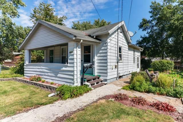 1410 S East Street, Bloomington, IL 61701 (MLS #11229491) :: Littlefield Group