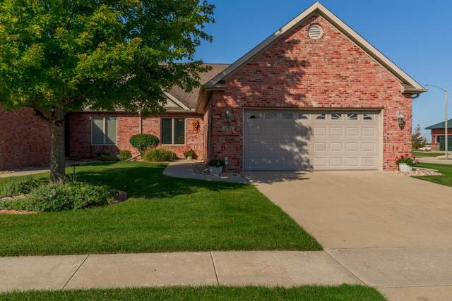 1701 Dunraven Road, Bloomington, IL 61704 (MLS #11231027) :: Littlefield Group