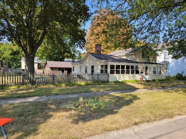 304 N 3rd Street, Oregon, IL 61061 (MLS #11235351) :: The Wexler Group at Keller Williams Preferred Realty