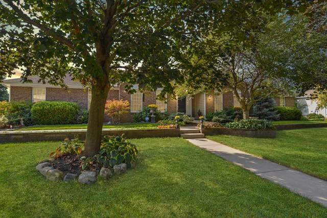 3211 Leafy Lane, Bloomington, IL 61704 (MLS #11235854) :: Littlefield Group
