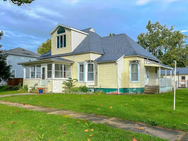 408 E 12th Street, Gibson City, IL 60936 (MLS #11238695) :: John Lyons Real Estate
