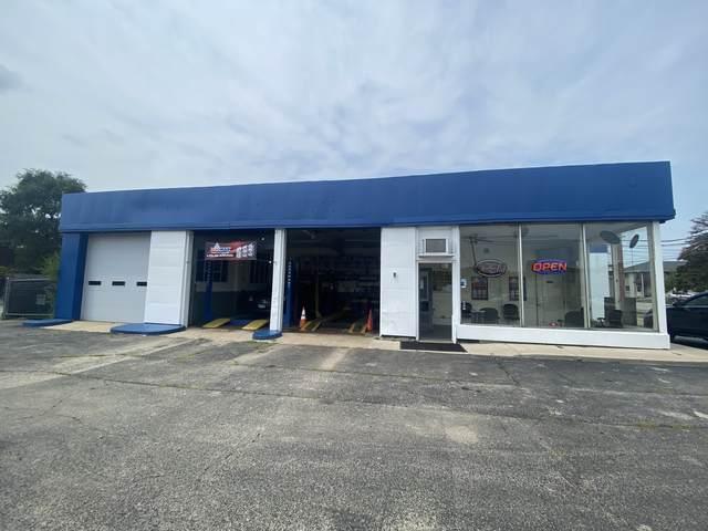 16 Route 12 Highway, Fox Lake, IL 60020 (MLS #11239329) :: John Lyons Real Estate