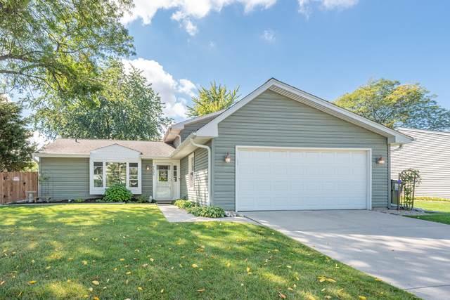 735 W Pine Avenue, Roselle, IL 60172 (MLS #11240181) :: Littlefield Group