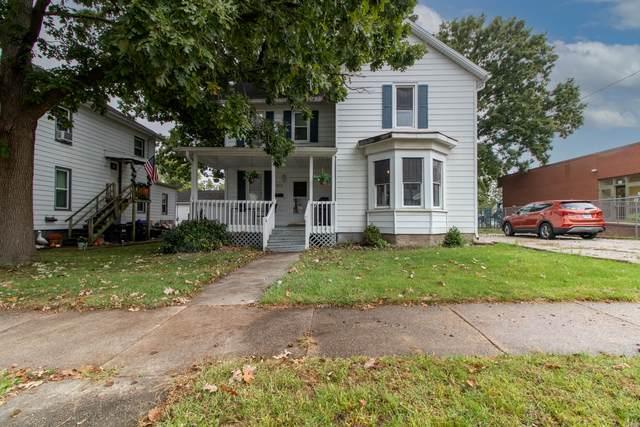 613 W Jackson Street, Bloomington, IL 61701 (MLS #11240305) :: Littlefield Group