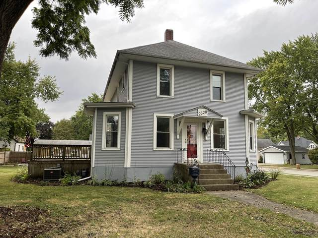 2528 6th Street, Peru, IL 61354 (MLS #11240357) :: The Wexler Group at Keller Williams Preferred Realty
