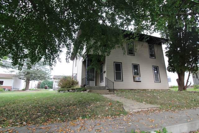 305 S Clay Street, Mt. Carroll, IL 61053 (MLS #11241284) :: John Lyons Real Estate