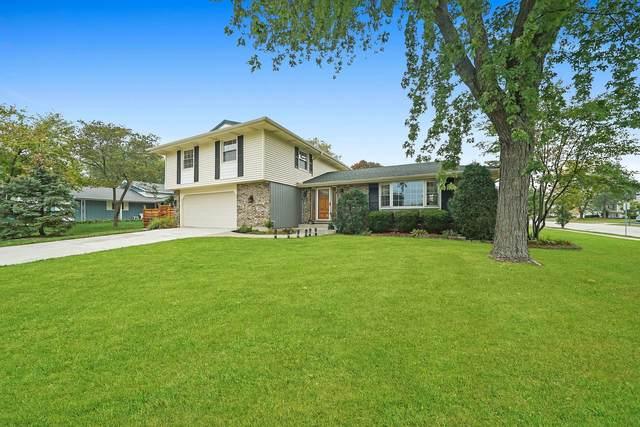 828 Harwich Lane, Schaumburg, IL 60194 (MLS #11242250) :: John Lyons Real Estate