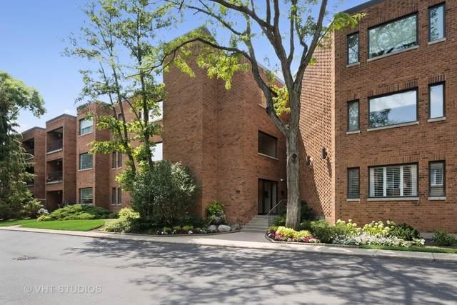105 E Laurel Avenue #102, Lake Forest, IL 60045 (MLS #11242506) :: Littlefield Group