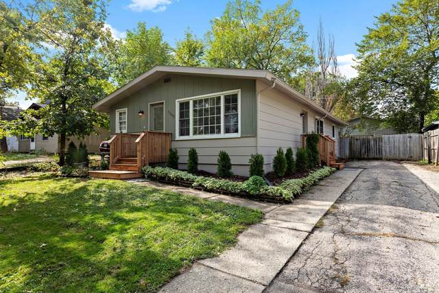 33648 N Oakland Drive, Gages Lake, IL 60030 (MLS #11242958) :: Littlefield Group