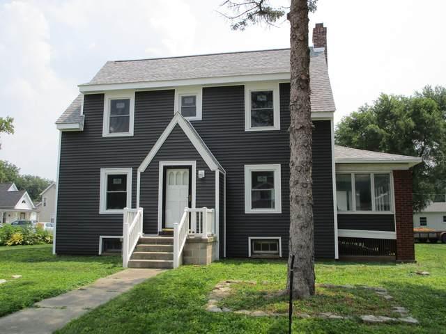 301 S Main Street, Tuscola, IL 61953 (MLS #11243066) :: Ryan Dallas Real Estate