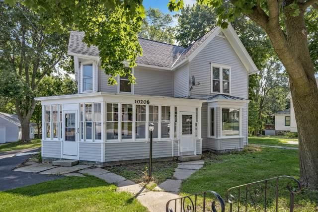 10208 N Main Street, Richmond, IL 60071 (MLS #11243579) :: Littlefield Group