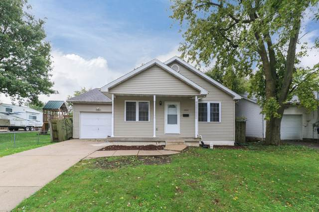 1622 Iowa Street, Bloomington, IL 61701 (MLS #11243672) :: O'Neil Property Group