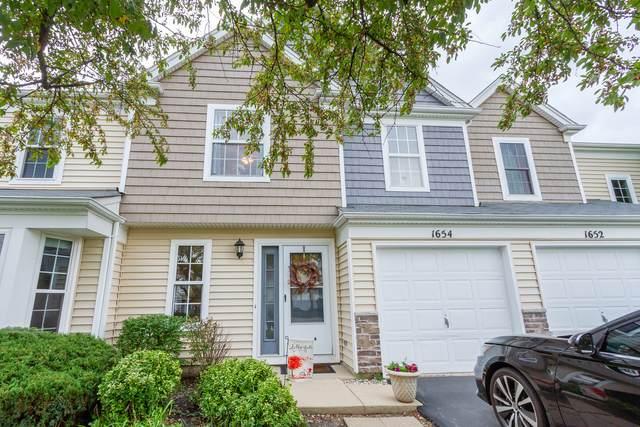 1654 College Green Drive, Elgin, IL 60123 (MLS #11245271) :: Ryan Dallas Real Estate