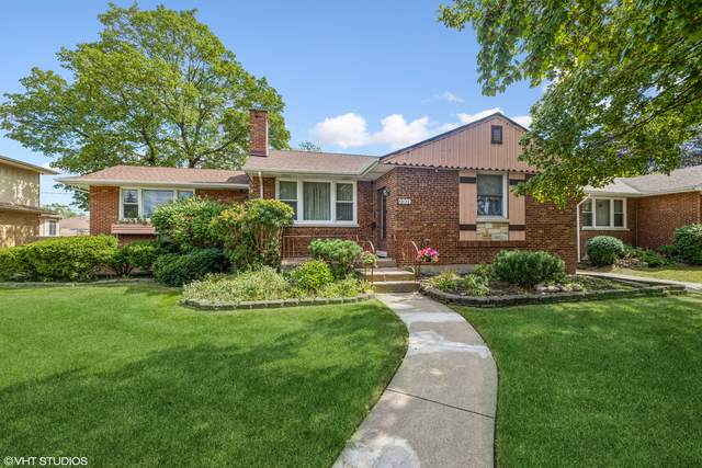 2301 Stratford Avenue, Westchester, IL 60154 (MLS #11246019) :: Ryan Dallas Real Estate