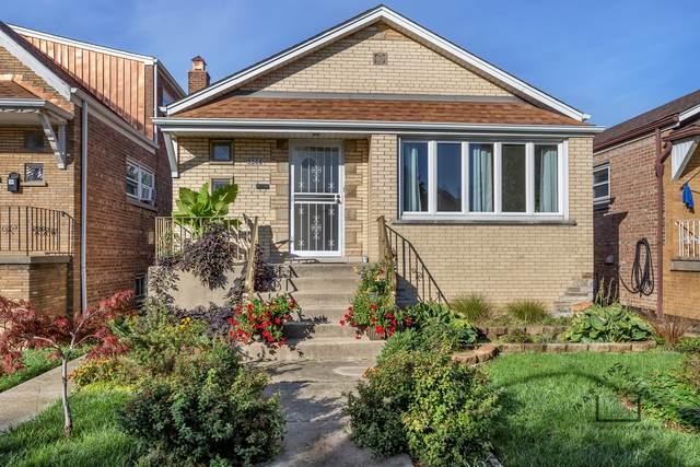 5544 S Kolmar Avenue, Chicago, IL 60629 (MLS #11246033) :: Littlefield Group