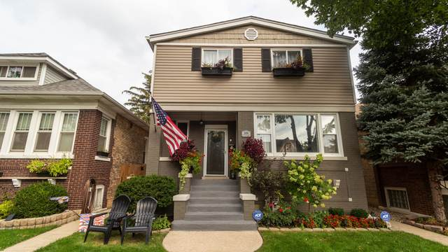 5136 W Waveland Avenue, Chicago, IL 60641 (MLS #11246339) :: Angela Walker Homes Real Estate Group