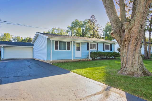 1805 W Indian Ridge Drive, Mchenry, IL 60051 (MLS #11247014) :: Schoon Family Group
