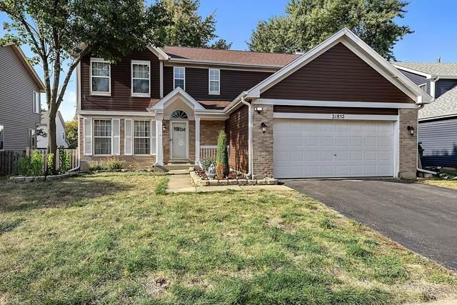 21852 W Knollwood Drive, Plainfield, IL 60544 (MLS #11247622) :: Suburban Life Realty