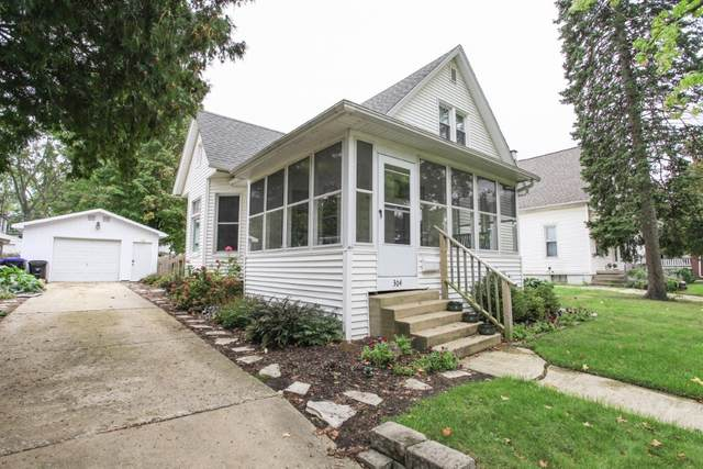 304 Leland Street, Bloomington, IL 61701 (MLS #11247990) :: Rossi and Taylor Realty Group