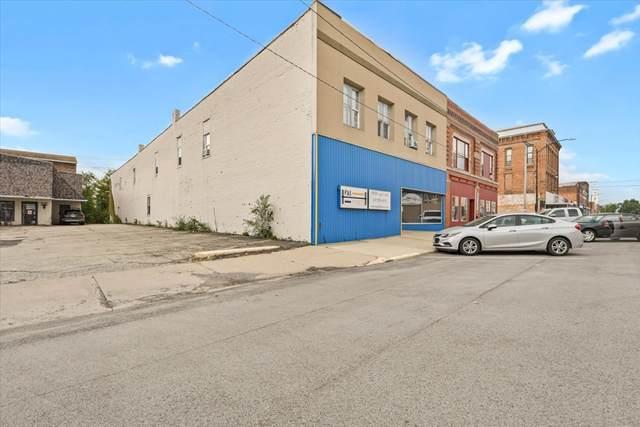 207 N Market Street, Paxton, IL 60957 (MLS #11248924) :: John Lyons Real Estate