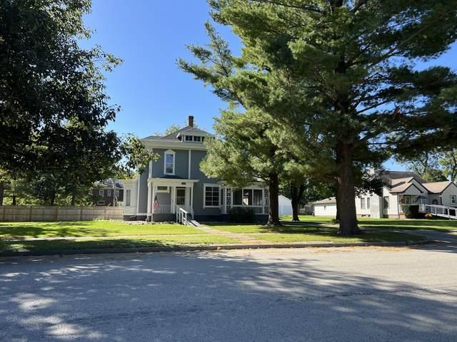 308 W Center Street, Paxton, IL 60957 (MLS #11249020) :: John Lyons Real Estate