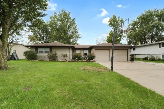 107 E Evergreen Drive, ST. JOSEPH, IL 61873 (MLS #11249047) :: The Wexler Group at Keller Williams Preferred Realty