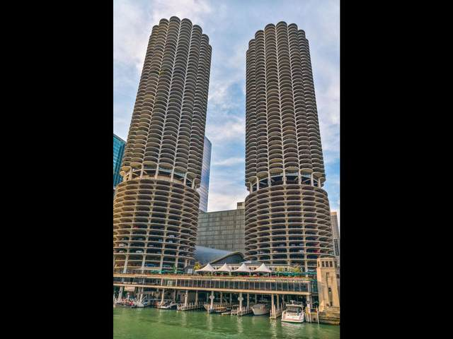 300 N State Street #3330, Chicago, IL 60654 (MLS #11249630) :: Lux Home Chicago