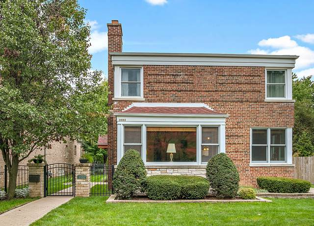 3502 W 98th Street, Evergreen Park, IL 60805 (MLS #11249759) :: John Lyons Real Estate