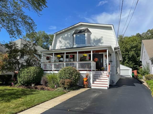 228 W Grove Street, Lombard, IL 60148 (MLS #11249812) :: John Lyons Real Estate