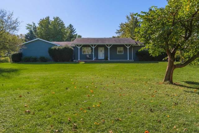 19233 Deerhaven Drive, Bloomington, IL 61704 (MLS #11249875) :: Littlefield Group