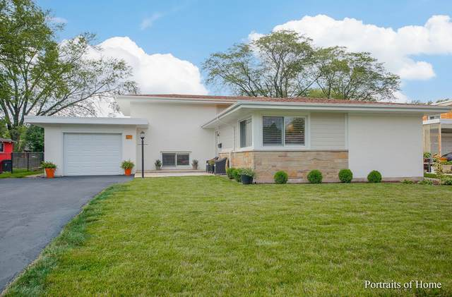 526 E Park Avenue, Elmhurst, IL 60126 (MLS #11250079) :: Carolyn and Hillary Homes