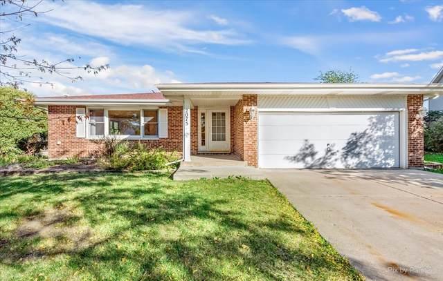 2075 Newport Circle, Hanover Park, IL 60133 (MLS #11250239) :: John Lyons Real Estate