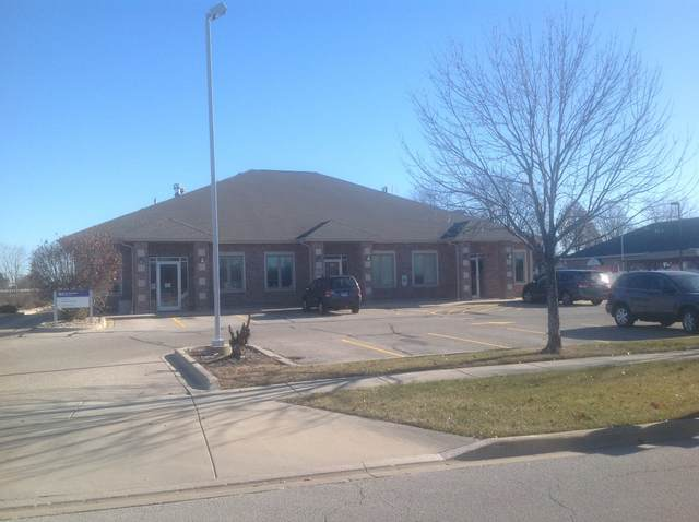 1830 Mediterranean Drive, Sycamore, IL 60178 (MLS #11250323) :: John Lyons Real Estate