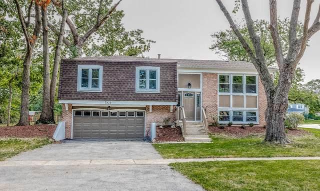 7939 Oakview Lane, Woodridge, IL 60517 (MLS #11250370) :: John Lyons Real Estate