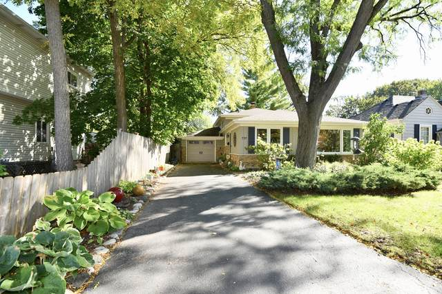 737 Anderson Boulevard, Geneva, IL 60134 (MLS #11250408) :: The Wexler Group at Keller Williams Preferred Realty