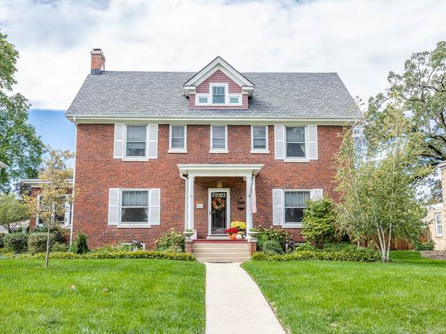 916 Douglas Avenue, Elgin, IL 60120 (MLS #11250514) :: John Lyons Real Estate