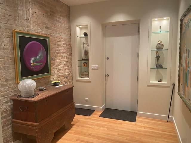 2035 W Charleston Street #105, Chicago, IL 60647 (MLS #11250564) :: John Lyons Real Estate