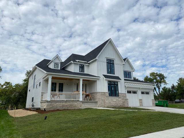 425 40th Street, Downers Grove, IL 60515 (MLS #11251235) :: John Lyons Real Estate