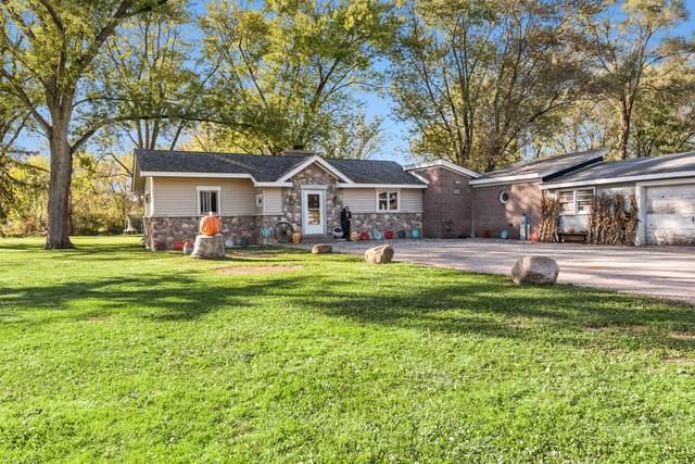 2110 Highwood Road, Mchenry, IL 60051 (MLS #11251868) :: John Lyons Real Estate