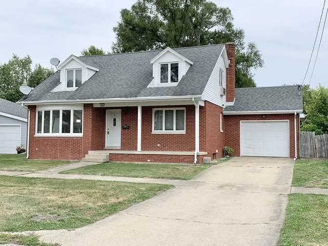 910 Poplar Street, Ottawa, IL 61350 (MLS #11251931) :: Ryan Dallas Real Estate