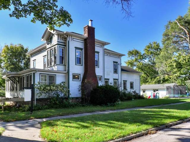 327 N Market Street, Momence, IL 60954 (MLS #11253397) :: The Wexler Group at Keller Williams Preferred Realty