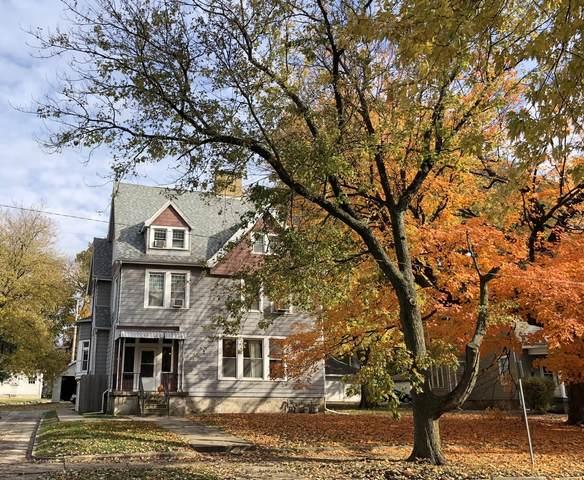915 N East Street, Bloomington, IL 61701 (MLS #11255192) :: O'Neil Property Group