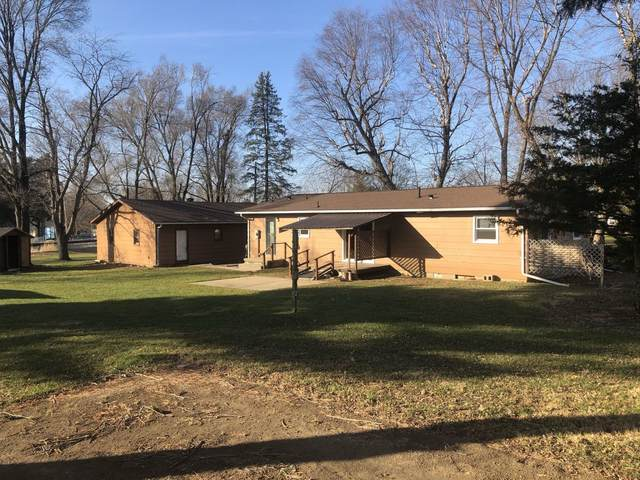 211 Henderson Street, Rossville, IL 60963 (MLS #10950066) :: Janet Jurich