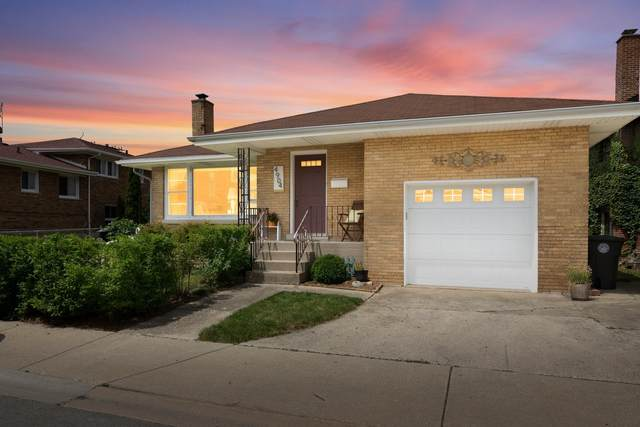4904 Grand Avenue, Mccook, IL 60525 (MLS #10952019) :: Schoon Family Group