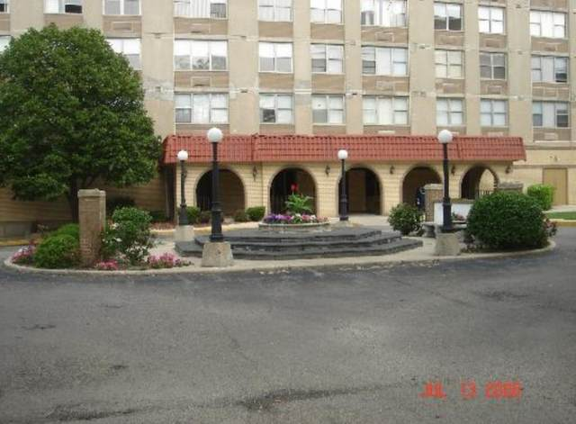 4300 W Ford City Drive #1408, Chicago, IL 60652 (MLS #10965745) :: Schoon Family Group