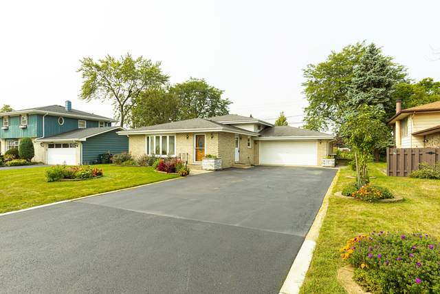 5802 Francis Avenue, Countryside, IL 60525 (MLS #10967413) :: Helen Oliveri Real Estate