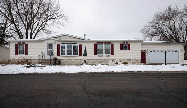 402 Club Circle, Belvidere, IL 61008 (MLS #10968947) :: Schoon Family Group