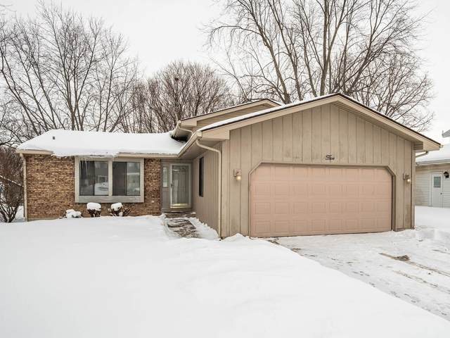 5 Wedgewood Drive, South Elgin, IL 60177 (MLS #10993402) :: The Spaniak Team