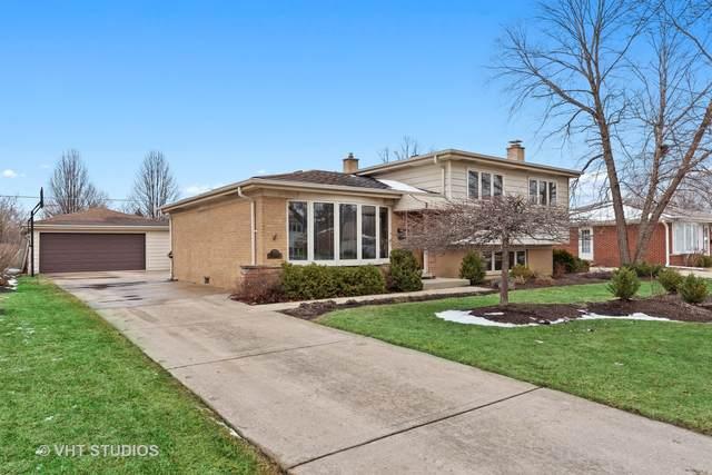 1706 W Estates Drive, Mount Prospect, IL 60056 (MLS #11008140) :: The Spaniak Team